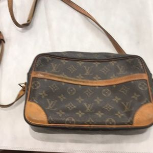 Authentic Louie Vuitton handbag